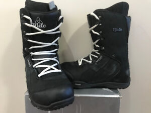 RIDE FUL MENS BOOT SIZE 9 OBO ALSO BINDINGS AND SNOWBOARD