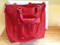 ❤️👜 Lovely bright red large handbag with shoulder strap New