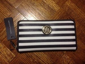 Brand New Tommy Hilfiger Women's Wallet With Tag