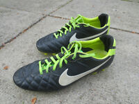 Nike Tiempo Soccer Shoes - men's size 10.5