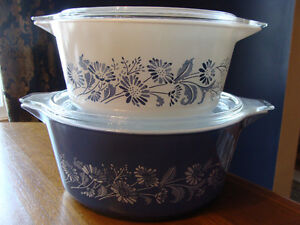 BLUE WHITE COLONIAL MIST DAISIES LIDDED CASSEROLES 474 475