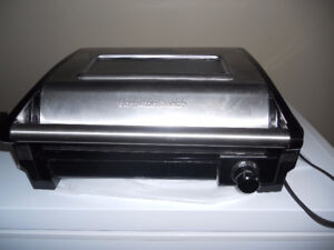 HAMILTON BEACH INDOOR GRILL (Very Clean, used only a few times)