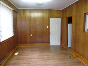 Three bedroom apartment in Stellarton with office space