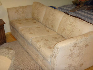 beautiful high quality couch set (set of 3)