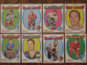 1971-72 Topps Hockey Cards (40 in EXMT-NM condition)