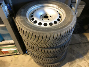 215/65/16''CONTINENTAL WINTERS ON OEM VOLKS RIMS X4
