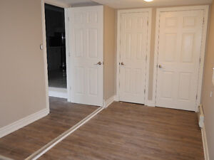 1 bedroom unit on Victoria and Earl