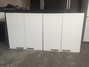Cabinet/armoire