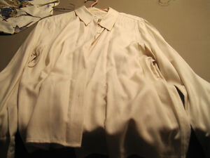 9 Women's Dress Blouses Cornwall Ontario image 5