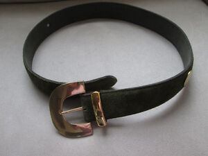 LADIES SUEDE BELT HUNTER GREEN WITH GOLD BUCKLE