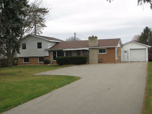 Updated split level home in the country near Aylmer