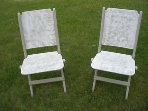 3-pc Wooden Table and Retro Chair Set London Ontario image 5