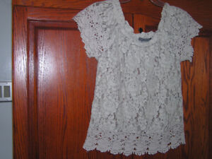 New Unused Women's Dressy Beige Cotton Lace Top Size Small