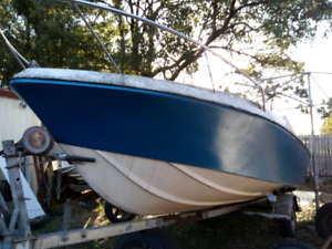18ft mustang boat, rare to find, needs motor & seats