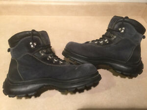 Women's Cougar Winter Boots Size 10 London Ontario image 6