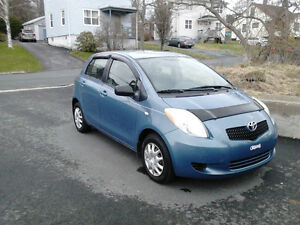 2007 TOYOTA YARIS HATCH LOADED AUTO  ONLY $3868 REBATE $315.00