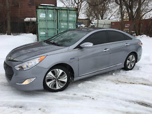 2014 Hyundai Sonata Hybrid Limited w/Technology Pkg Sedan