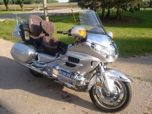 30th Anniversary loaded low mileage Goldwing