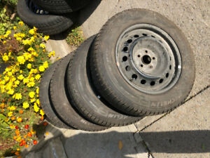 Winter Tires with rims for sale 195/65 R 15 Michelin