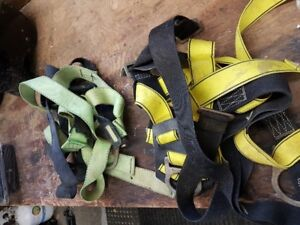 2  Anti fall Roofers Safety Harnesses
