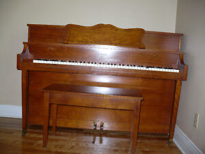 PIANO LA RONDE WILLIS