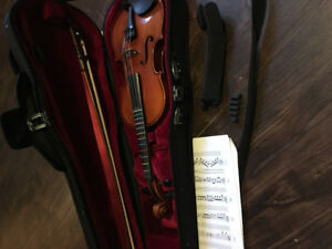 Half size violin with accessories