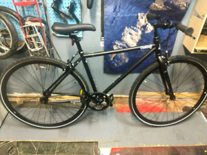 "PROMO • Single speed d'hiver , cadre 17"", pneus Schwalbe winter"