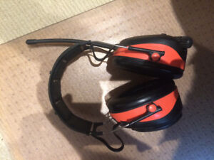 PRODUCT DESCRIPTION Over the head hearing protection