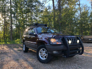 2003 Grand Cherokee Laredo. Awesome condition!