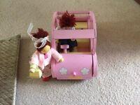 Le Toy Car & Dolls
