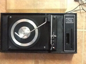 Deluxe 4 Speed Changer Turn table Cornwall Ontario image 2
