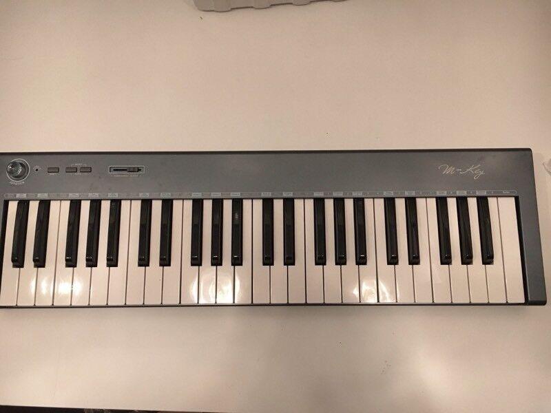 MIDI keyboard controller 49 keys - ultra thin + pedal