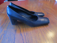 Elegant Black High Heels Made in Italy Size 8