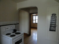 Very Large 2bedroom unit - Full Bath and Kitchen