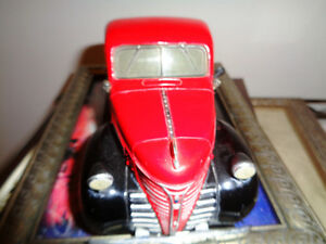 Mint 1/24th Chrysler Diecast 1941 Plymouth 1/2 Ton Pickup Truck