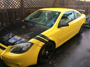 For Sale: 2005 Chevy Cobalt Two-Door Sportscar – LOW KMs
