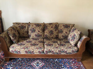 Custom Upholstered+Solid Wood Chesterfield Couch/Sofa Set - $500