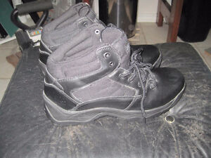 Men's Rugged Outback Hikers Cold Weather Boots - Size 11