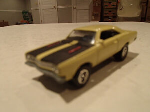 Loose Yelow Gold 1969 '69 PLYMOUTH ROAD RUNNER by JOHNNY LIGHTNI Sarnia Sarnia Area image 7