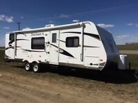 Dutchman 28 ft Travel trailer Gently Used