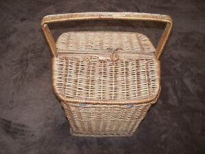 Vintage Picnic basket-excellent condition