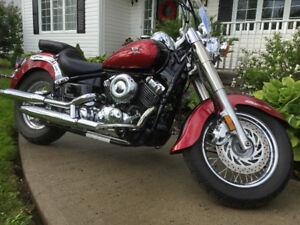 Yamaha V-STAR 650 motorcycle