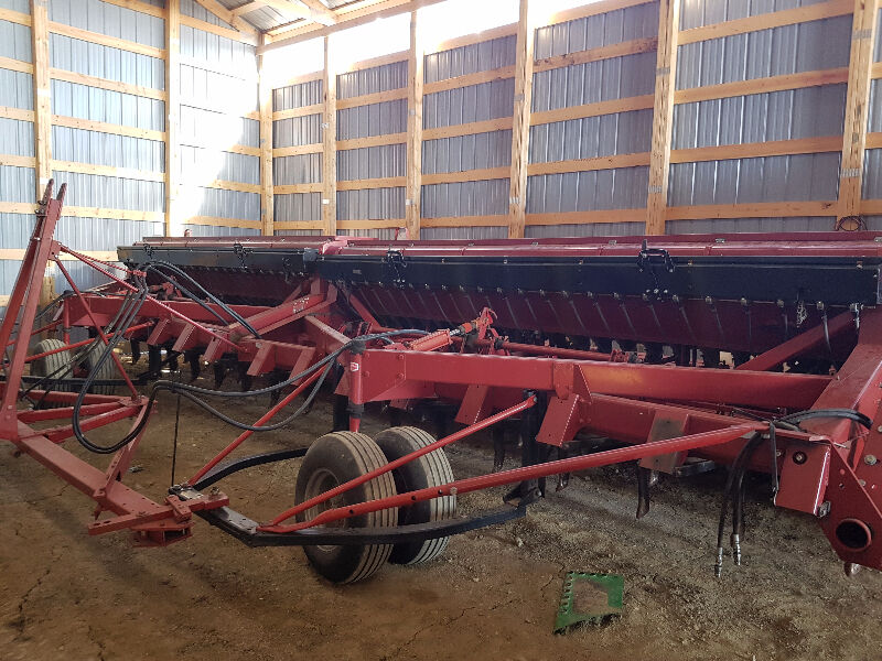 Case ih 7200 hoe seed drills farming equipment red for Case kijiji