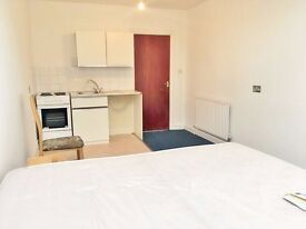 ***MODERN STUDIO FLAT IN RUSSELL ROAD, PALMERS GREEN N13***