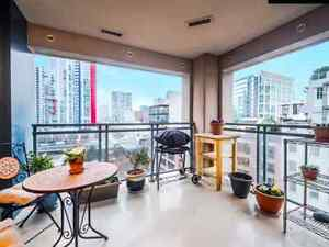 Spacious room in downtown next to sky train station Downtown-West End Greater Vancouver Area image 2