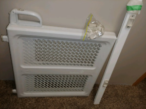 Baby Gate with Raling Adapter