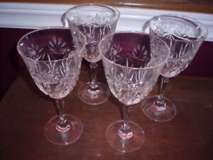 PINWHEEL WINE GLASSES