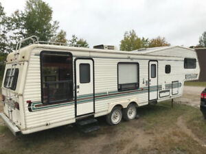 32 ft trailer Jayco 1998 good condition