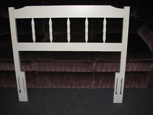 Tête de lit simple à vendre