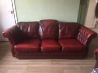 Sledge arm Chesterfield settee